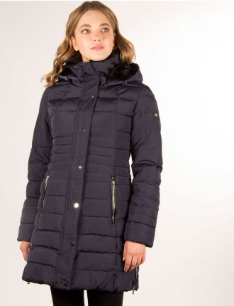 Long quilted coat by Saki